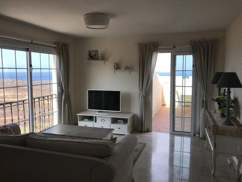 Stunning apartment with ocean views PM/197, location de vacances à Palm-Mar