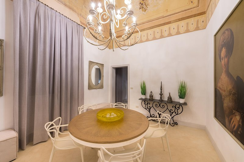 Spacious apartment with terrace, vacation rental in Sannicola