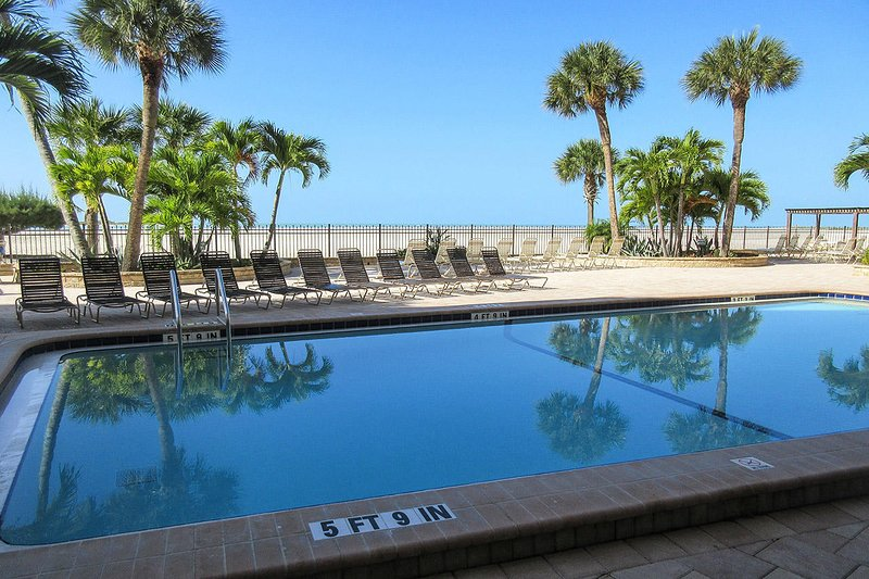 Carlos Pointe 612 - Carlos Pointe Beachfront Resort Condominiums