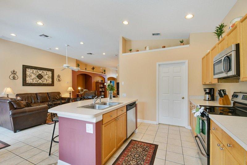 Cocina abierta / sala de estar / área de comedor