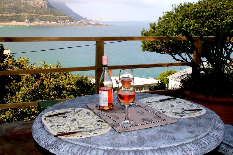 Fishermans Watch Cottage, holiday rental in Fish Hoek