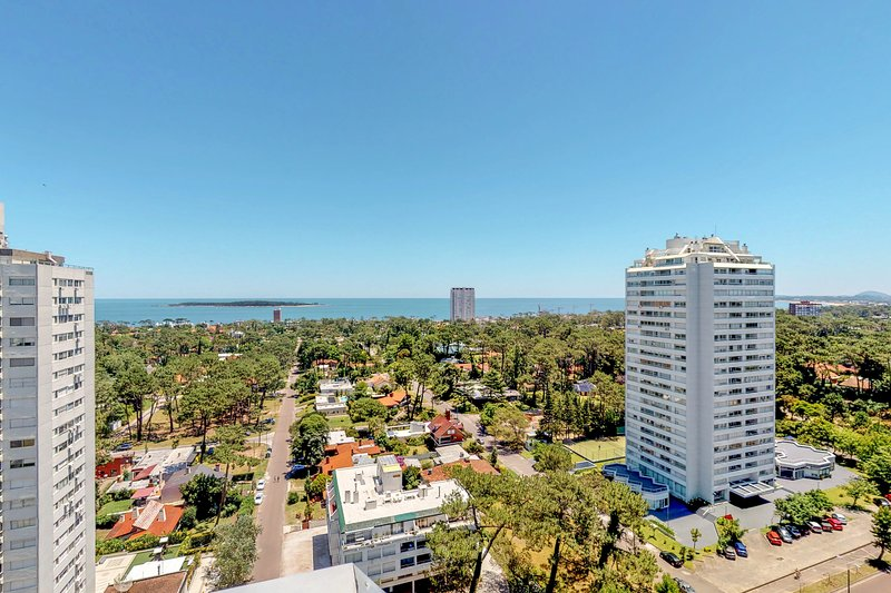 Spacious penthouse condo w/ views & shared fitness room - blocks from beach!, holiday rental in Punta del Este