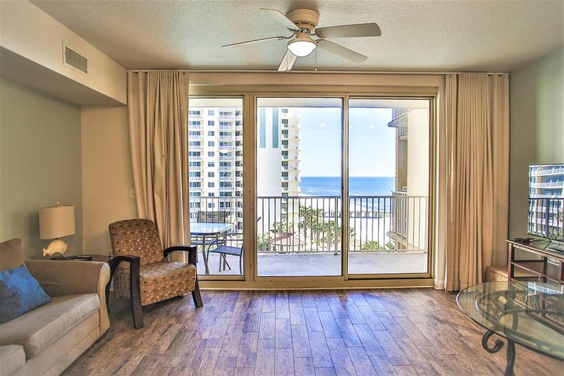 Living Area with Beach & Gulf Views