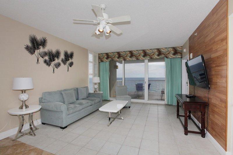 Living Area w/Gulf Views