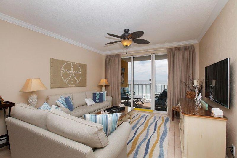 Living Area w/ Gulf View