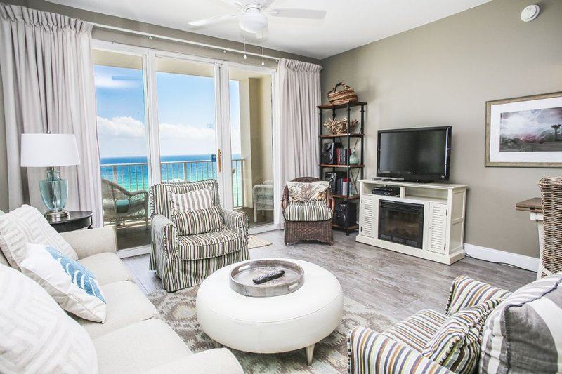 Sala de estar con hermosa vista del golfo!