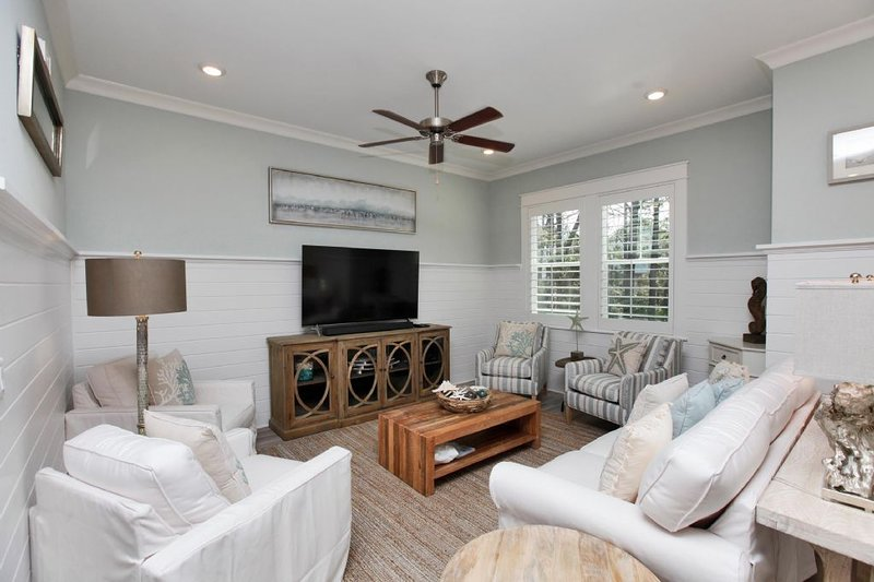 Beautiful Spacious Living Area