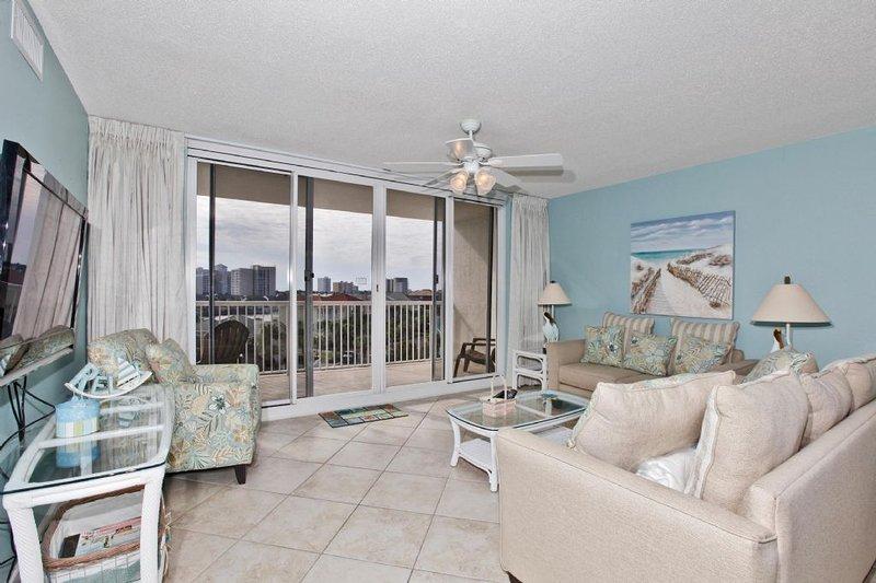 Terraza en Pelican Beach Condo Alquiler 404