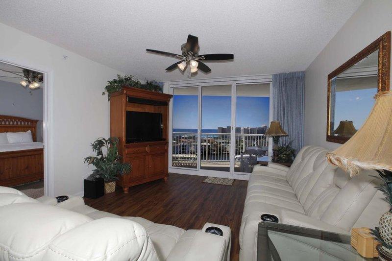 Terrazza presso il Pelican Beach Resort Condo Rental 1002
