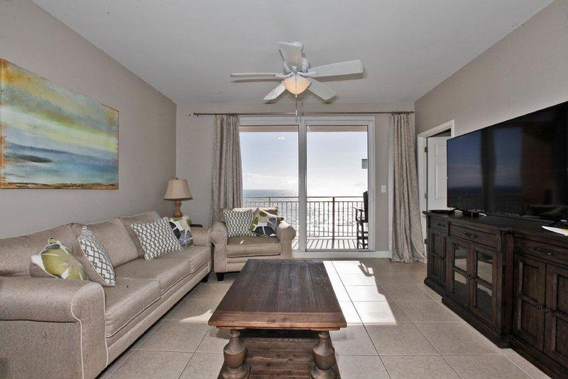 Living Area w/Gulf View