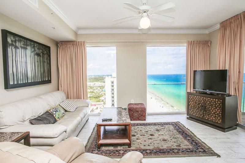 Woongedeelte met direct uitzicht op het strand en de golf
