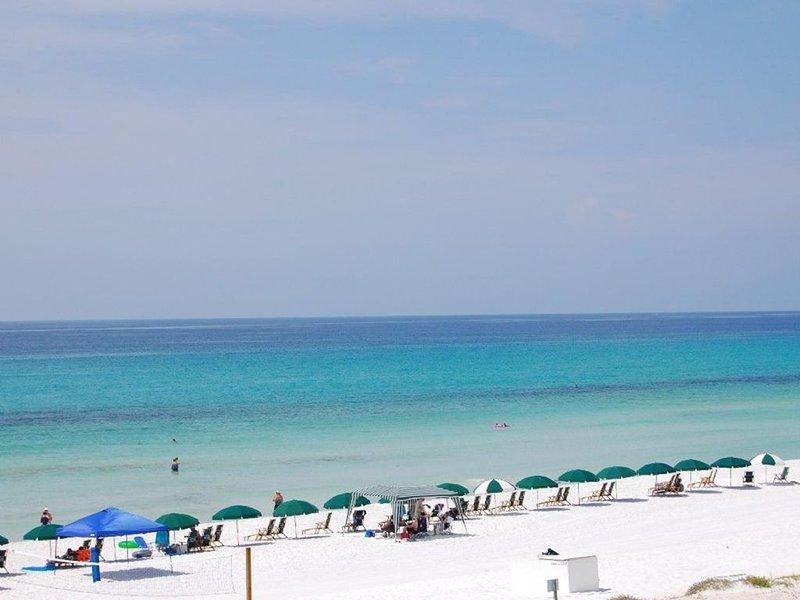 La playa en la isla Princess Beach Resort