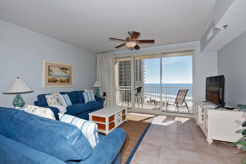Spacious Living Area w/Gulf Views