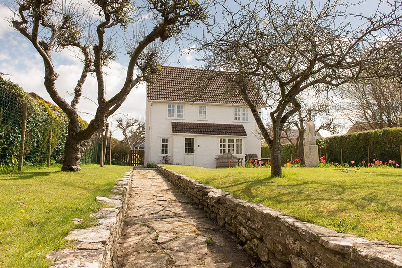 Salis Orchards, detached three bedroom Cottage, holiday rental in Worth Matravers