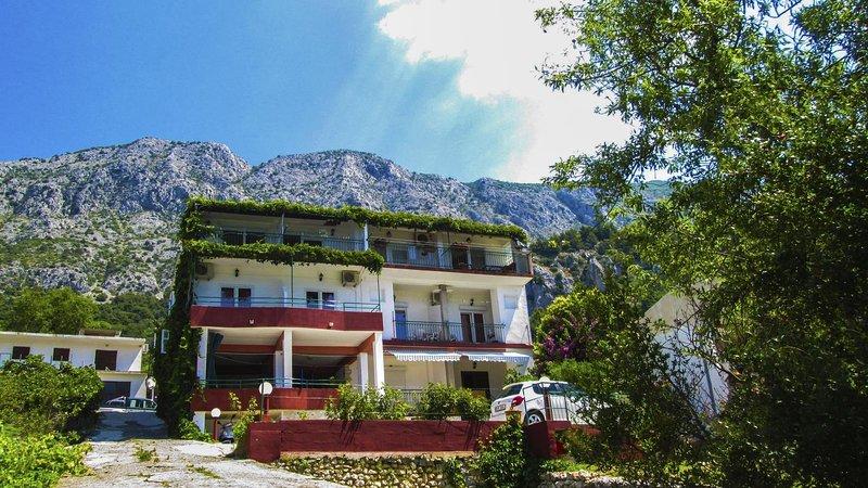 One bedroom apartment Živogošće - Porat, Makarska (A-16289-b), location de vacances à Zivogosce