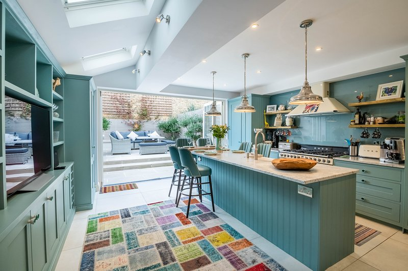 Immaculate Designer Home in Wandsworth by UnderTheDoormat, vakantiewoning in Mitcham