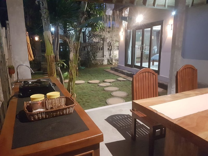 Kin Homestay - Close Like Family, vacation rental in Bunutan
