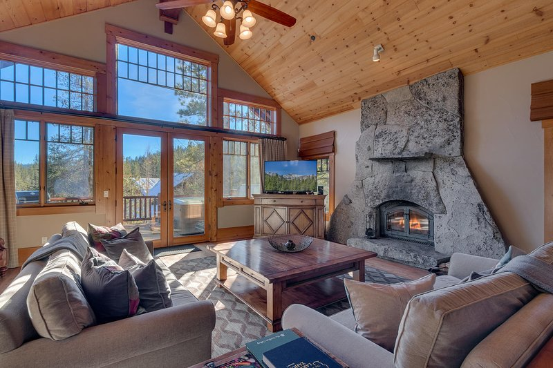 Summit Lodge at Squaw Valley Chalet in Squaw Valley