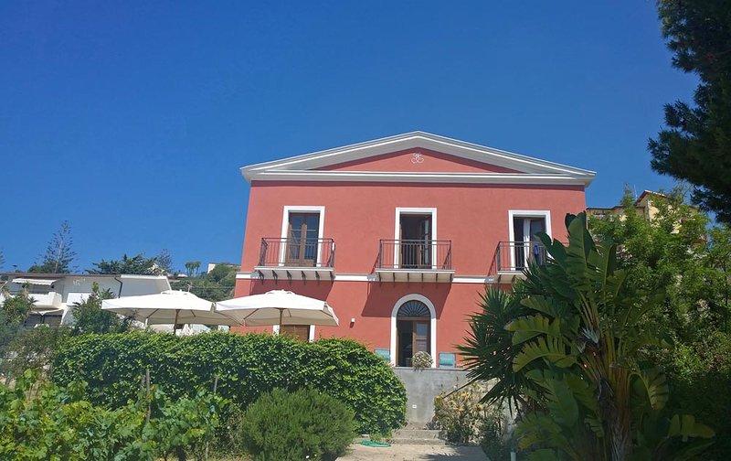 Beachfront Appartement: Villa Principessa, location de vacances à Punta Grande