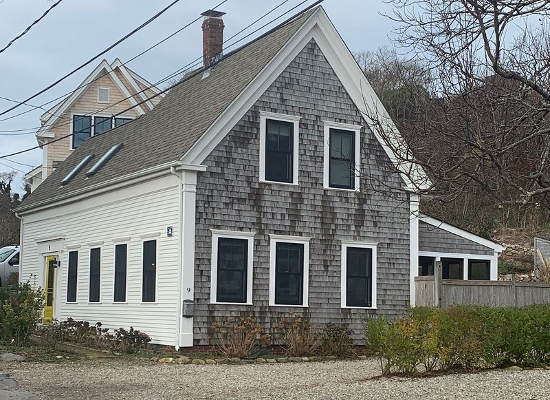 Historic and Updated 'Floater' Home, location de vacances à Provincetown