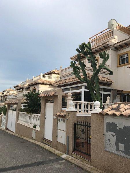 Quad villa, alquiler vacacional en San Miguel de Salinas