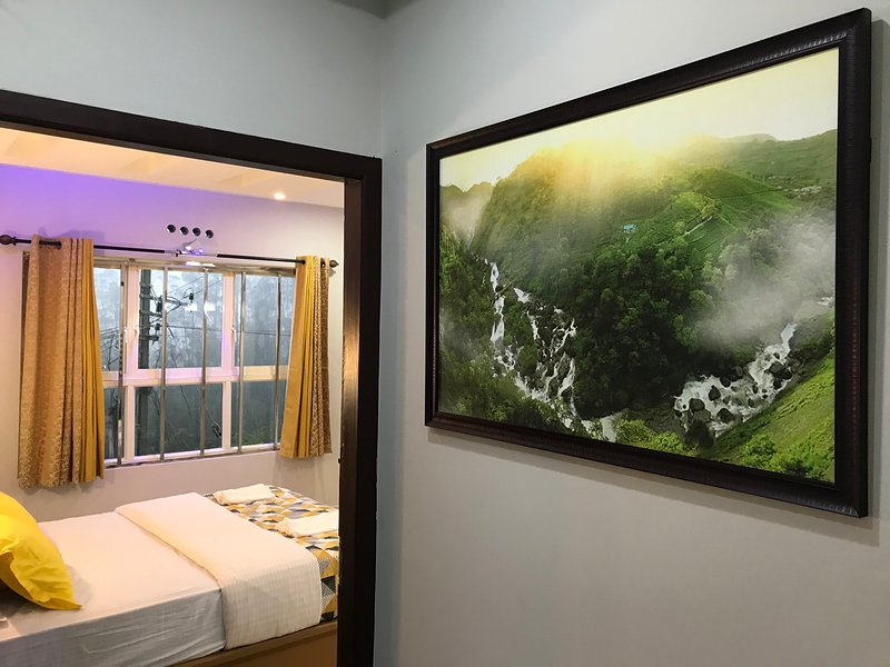 MehaKira Holiday Inn (Premium Room 1), holiday rental in Valparai