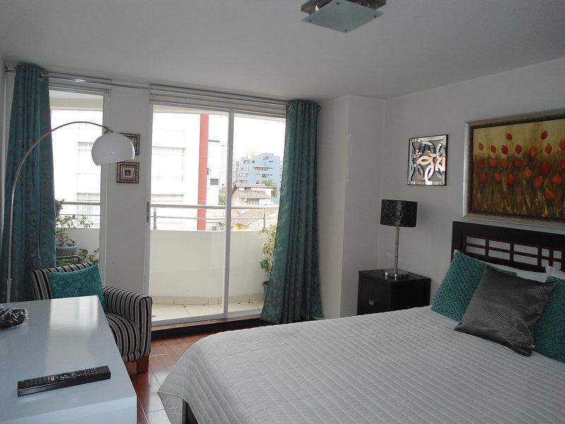 Plaza Foch AREA - WONDERFUL Apartment, alquiler de vacaciones en Quito