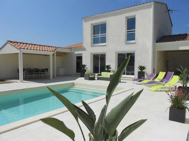 Maison 4* 8 pers piscine privée chauffée, alquiler vacacional en Notre-Dame-de-Riez