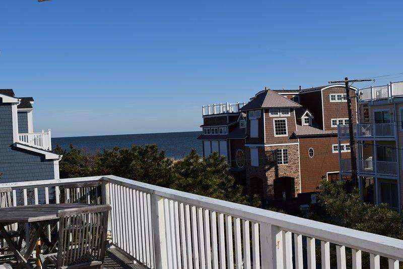 Vistas al mar desde las cubiertas de la sala!