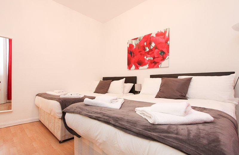Family Studio Sleeps 4 Next to Hyde Park GT11, Ferienwohnung in Willesden