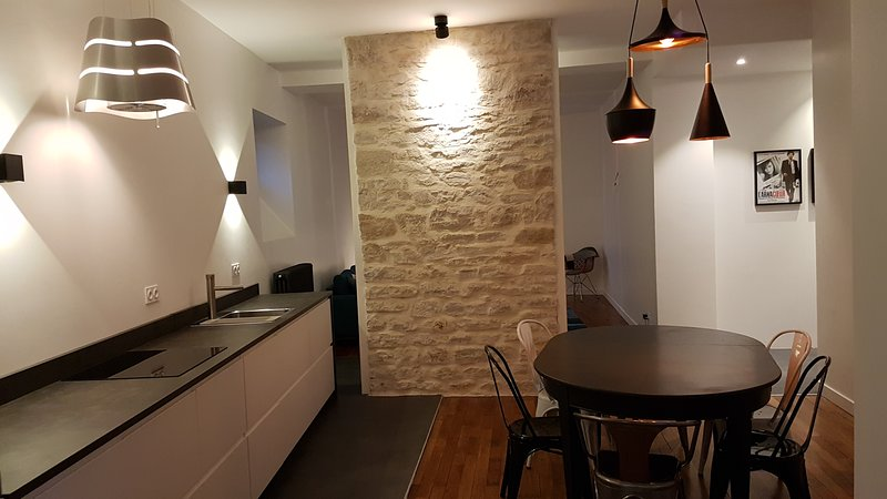 Appartement de charme T3 République Dijon Burgundy, holiday rental in Saint-Apollinaire