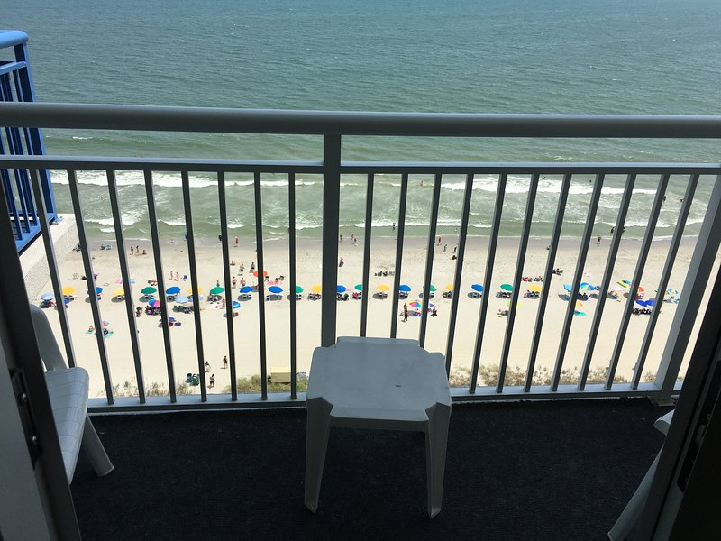 PH56 Beautiful Direct Oceanfront 2-BR Condo in Atlantica Resort nearBroadwalk MB, holiday rental in Myrtle Beach