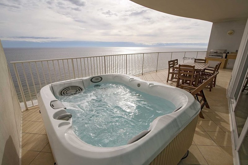 Summer Rates Dropped  ~ Gulf Front ~ Hot Tub/Grill on Balcony ~ Turquoise Place, location de vacances à Orange Beach