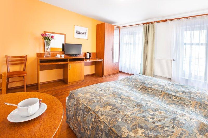 Two Bedrooms in the City center of Prague, location de vacances à Radonice