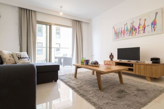 Enjoy Views of Jerusalem from Chic Flat – semesterbostad i Jerusalem District