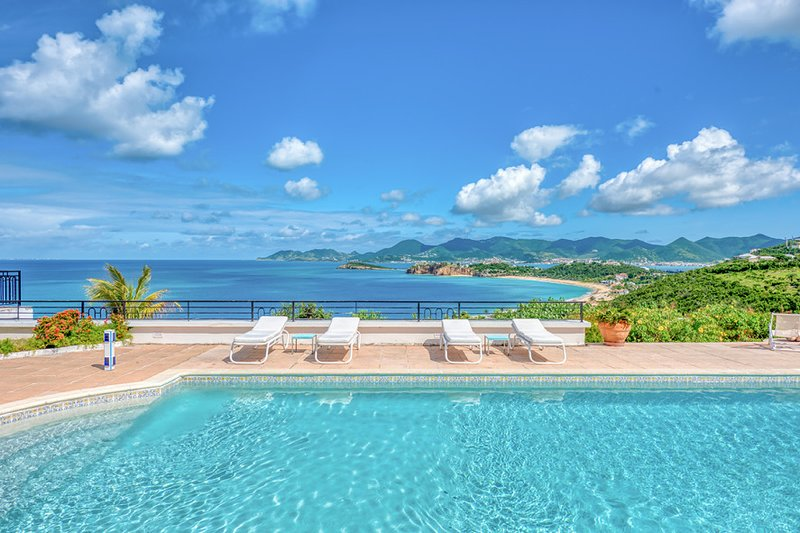BEAULIEU... Stunning views from this gorgeous 3BR villa, vacation rental in Sandy Ground