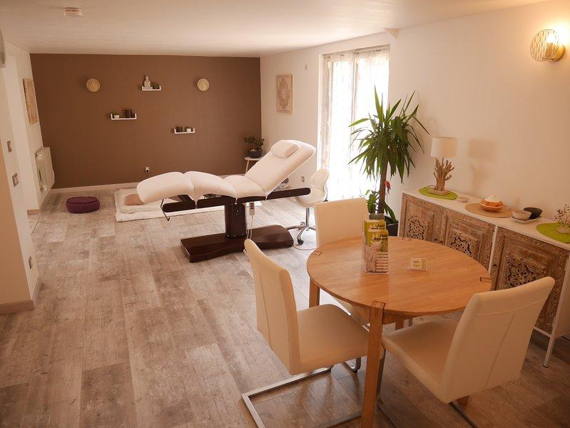 Meublé 4 étoiles au coeur des Vosges entre Vittel et Epinal avec sauna., holiday rental in Haroue