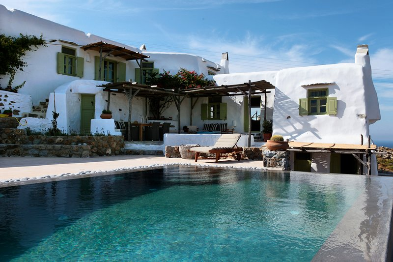 Villa Nomad at Panormos Bay, vacation rental in Marathi