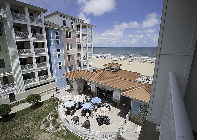 Beautiful 2 bedroom beach condo! Sleeps 8, alquiler de vacaciones en Virginia Beach