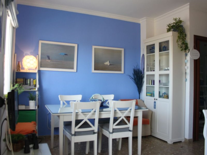 Beautiful apt with sea view & Wifi, vacation rental in Chipiona