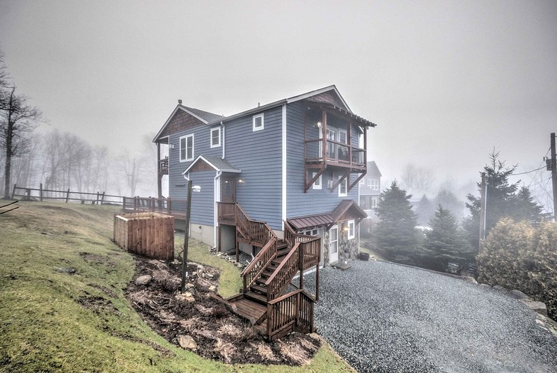 Live like a king in this luxurious Beech Mountain vacation rental cabin!