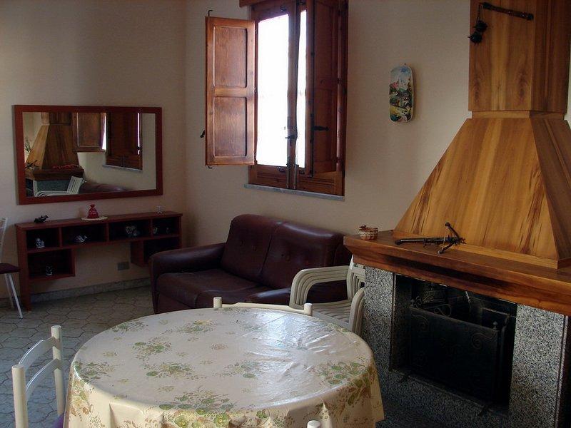 villa indipendente a pochi mt dal mare, holiday rental in Granelli