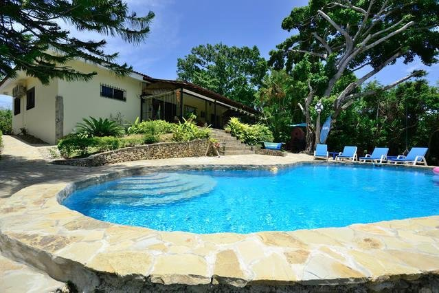 Unforgettable 3 Bedroom, 3 Bath Villa for You, Friends and Family, vacation rental in Sosua