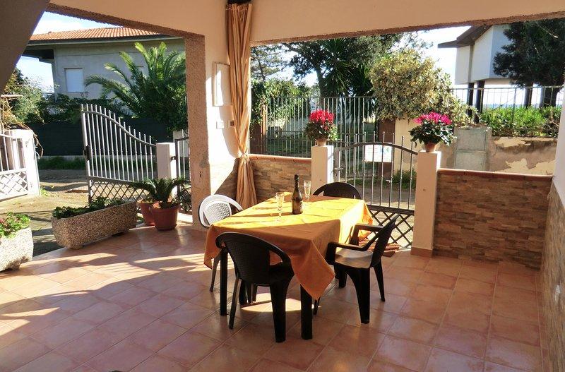 Appartamento Via delle Mimose vicinissimo alla spiaggia, holiday rental in Bari Sardo