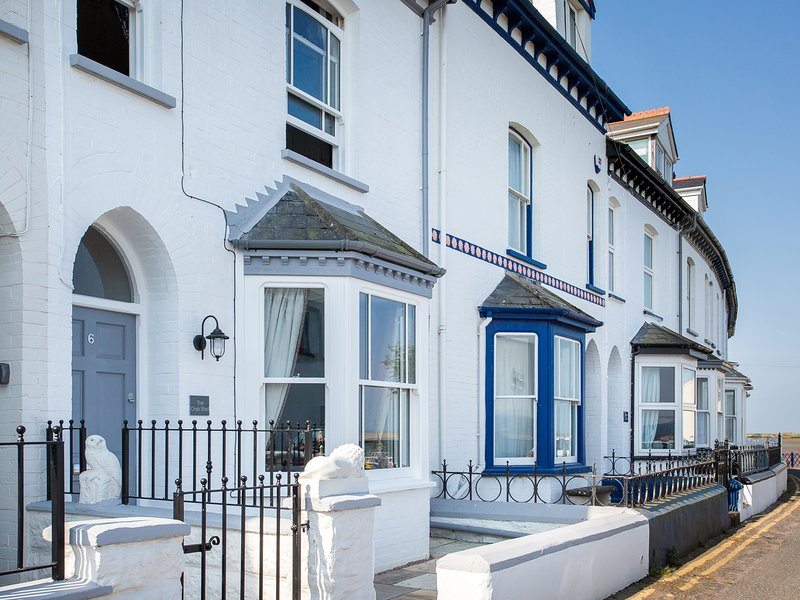 THE CRAB SHELL three storey house, estuary views, in Appledore, Ref 960148, holiday rental in Appledore