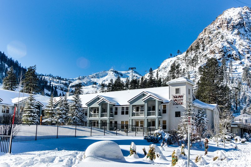 Ski-in/Ski-out home in Squaw w/pool, hot tub, great location Chalet in Squaw Valley