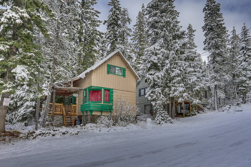 Cozy mountain cabin w/ a full kitchen - close to town, skiing, & hiking trails, holiday rental in Timberline Lodge