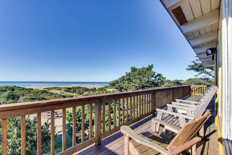 Oceanfront, dog-friendly rental w/ gorgeous ocean views in a convenient location, location de vacances à Rockaway Beach