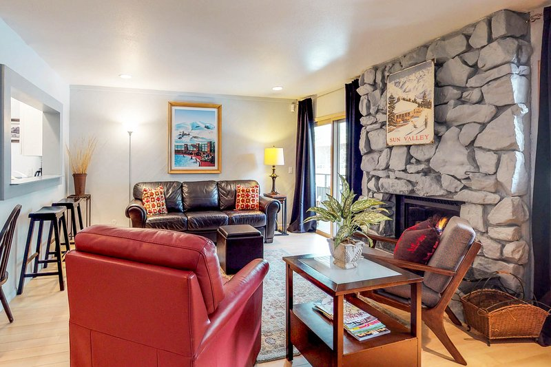 Charming resort condo w/shared hot tub - within walking distance to ski lifts, vacation rental in Ketchum