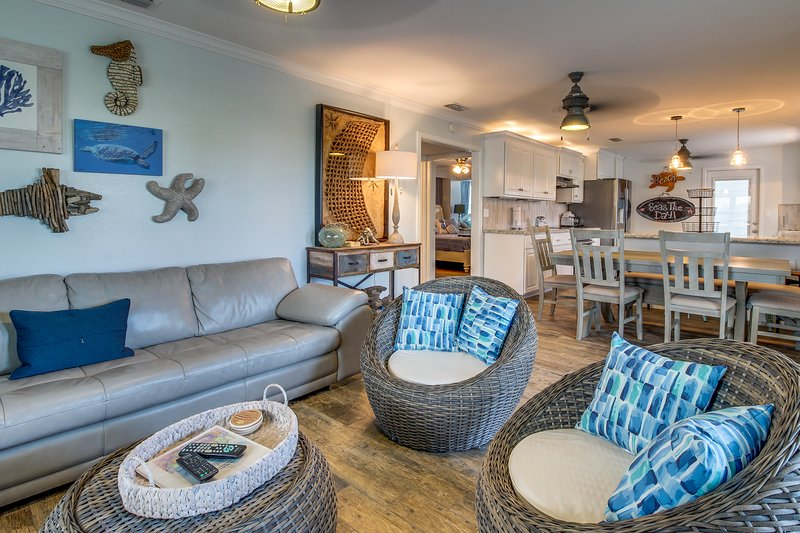 Accessible & dog-friendly ground-floor unit - one block away from the beach!, vacation rental in Port Isabel